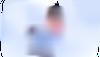 vrouw die VPN gebruikt terwijl ze is verbonden met gratis openbare wifi